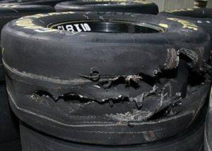 повреждённая шина